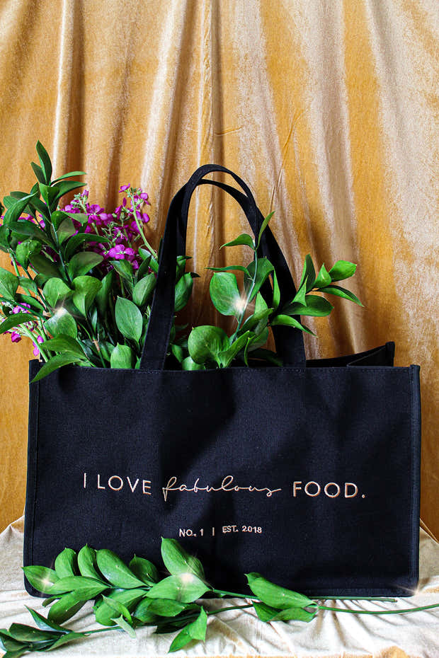 LUXE OVERSIZED MARKET TOTE 1