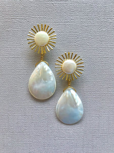 Nova Pearl Earrings