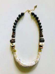 Mother-of-Pearl Collar Necklace | Dark Brown
