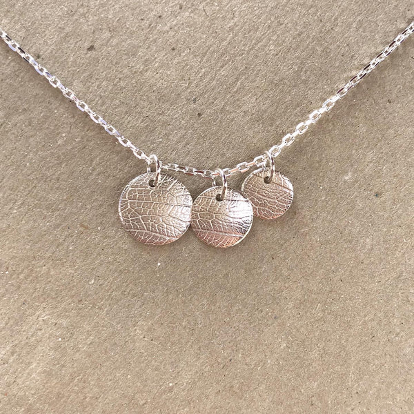 Textured charm necklace