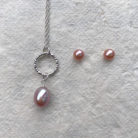 Circle Pendant with Pink Pearl Drop & Pearl Studs