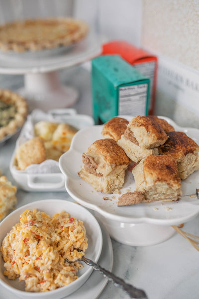 https://calliesbiscuits.com/blogs/hotlittlesuppers/effortless-easter-bundle-a-foodies-gift-basket-designed-by-callies-hot-little-biscuit-and-southern-baked-pie