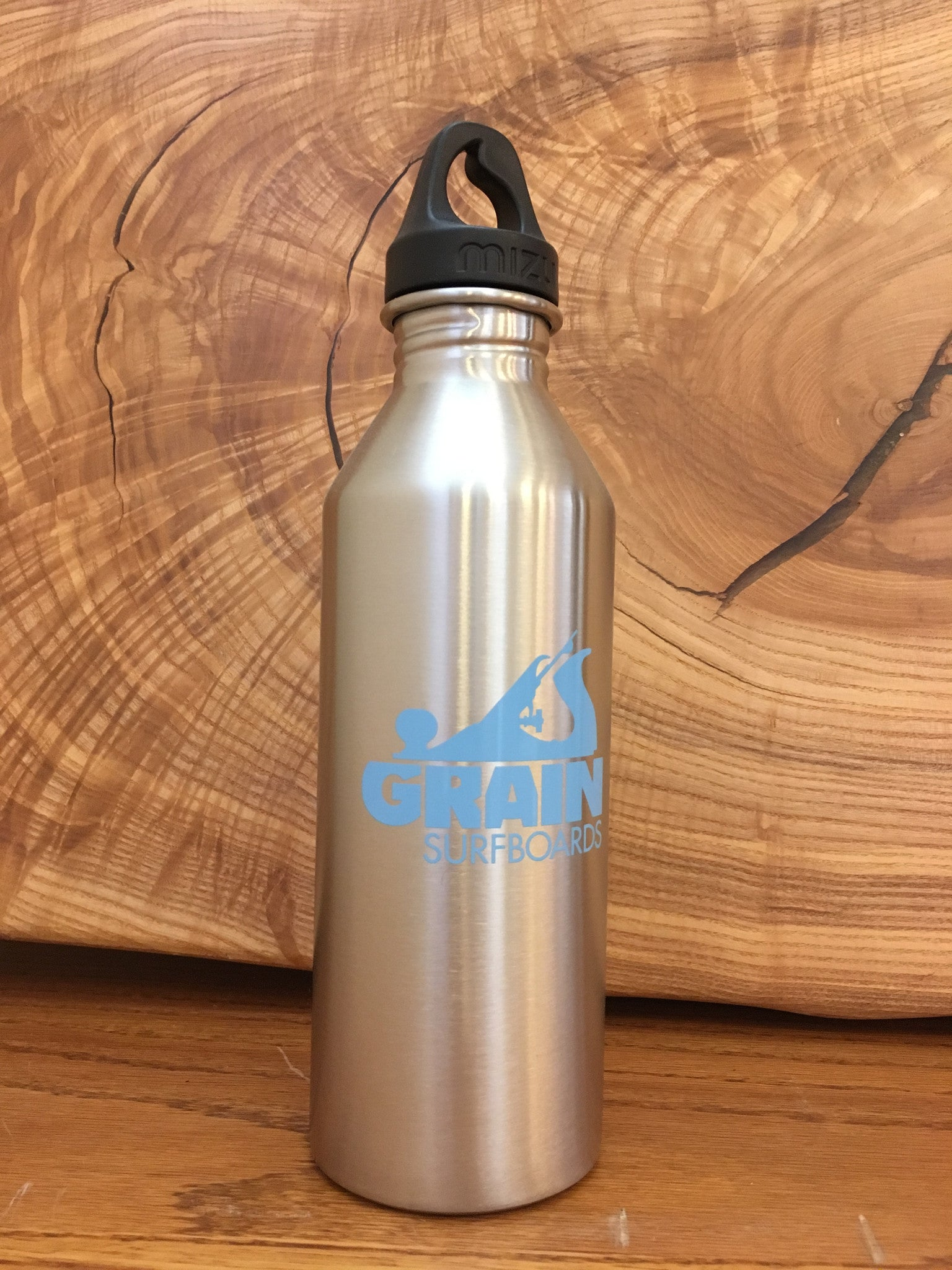Mizu Stainless Steel Water Bottle with Grain Logo