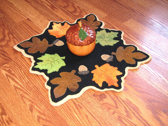 Fallen Leaves Autumn Table Topper / Candle Mat Pattern