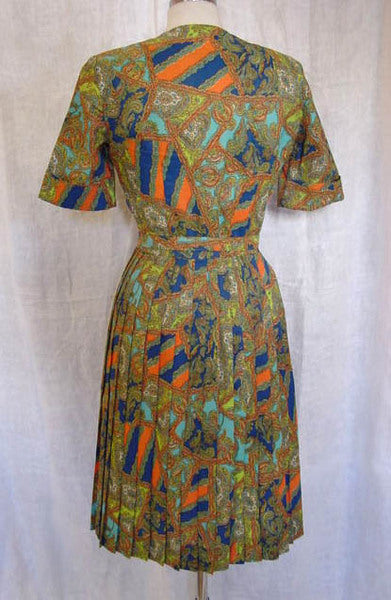1960s Bold Paisley Pleated Dress