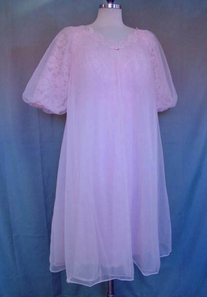 1950s Vanity Fair Pink Peignoir