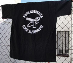 Camiseta Punk Guerrilla