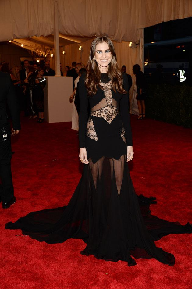 met ball images_article_2013_05_07_met-gala-13-alison-williams