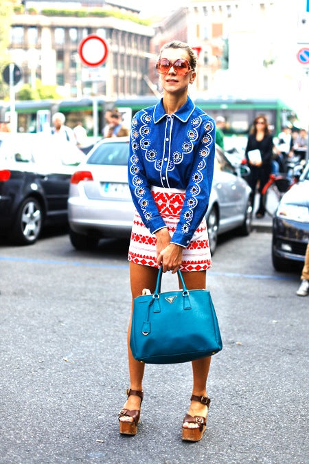 nataliejoos-printed-skirt-blue-shirt