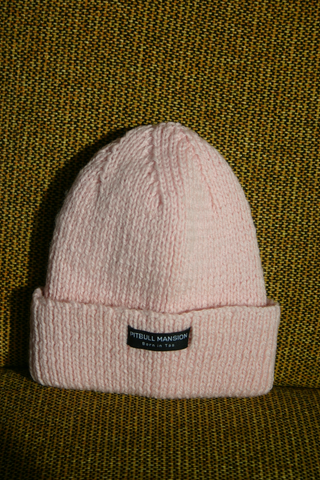 PITBULL MANSION CHUNKY KNIT BEANIE - LIGHT PINK