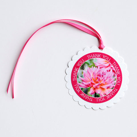 "2-1/2"" Round Scalloped Gift Tags - Pink Dahlia"