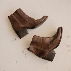 Vintage Chocolate Leather Booties / 9 - Closed Caption