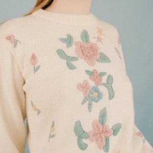 Vintage Oversized Embroidered Floral Sweater S/M