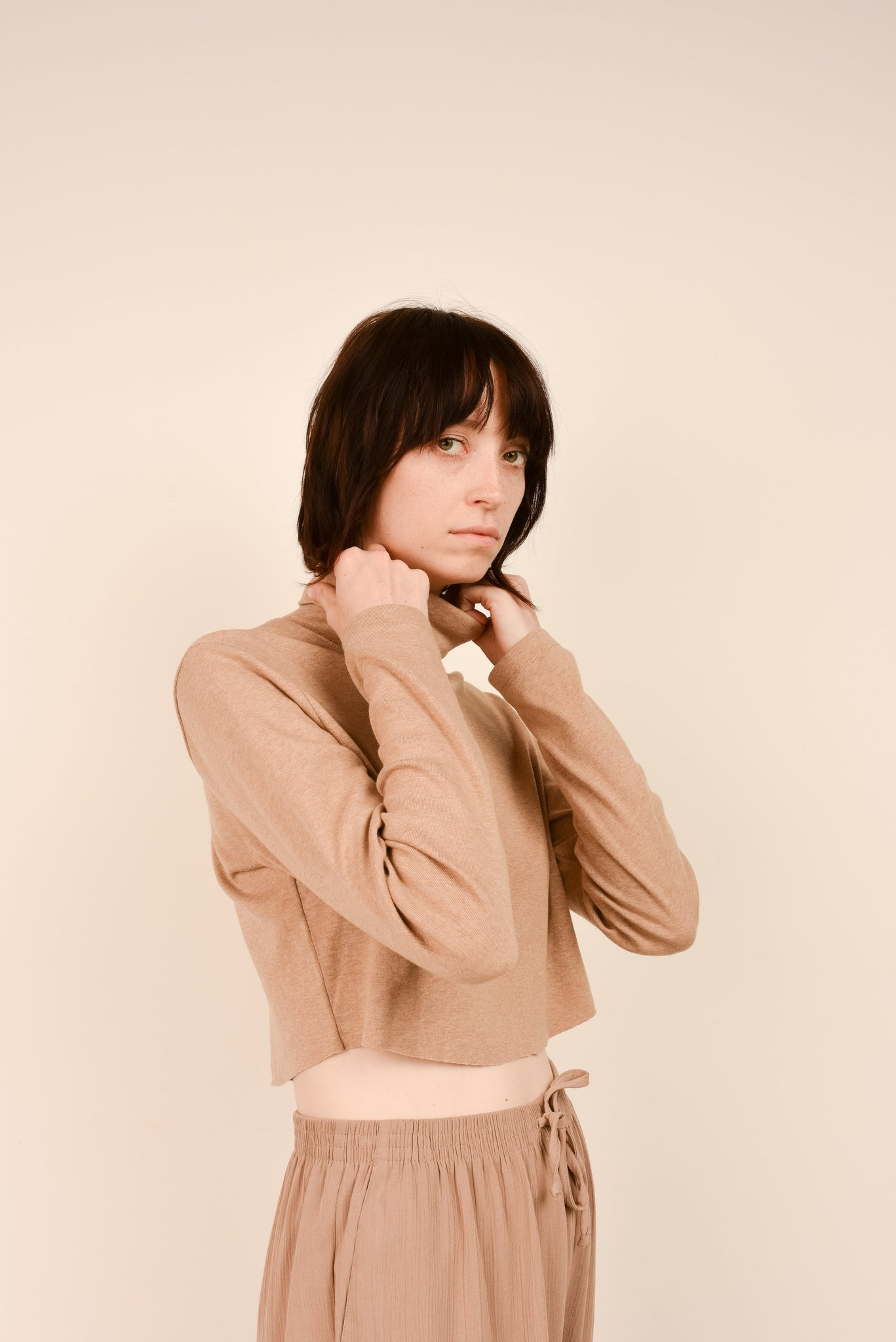 Vintage Butterscotch Cropped Turtleneck Top / S - Closed Caption