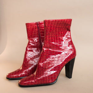Vintage Vegan Red Crocodile Booties / 10 - Closed Caption