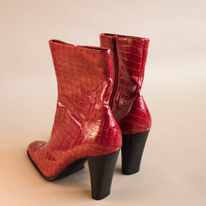 Vintage Vegan Red Crocodile Booties / 10