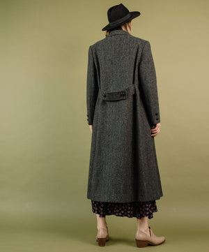 Vintage Grey Herringbone Oversized Wool Coat / S/M - Closed Caption