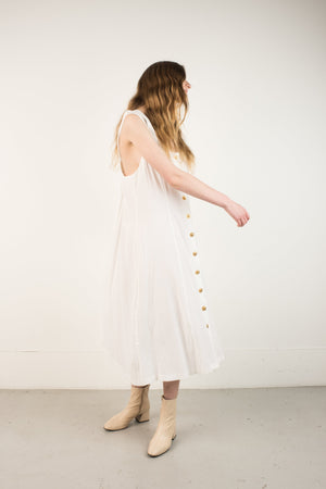 Vintage White Crinkle Oversized Maxi Dress / S/M/L - Closed Caption
