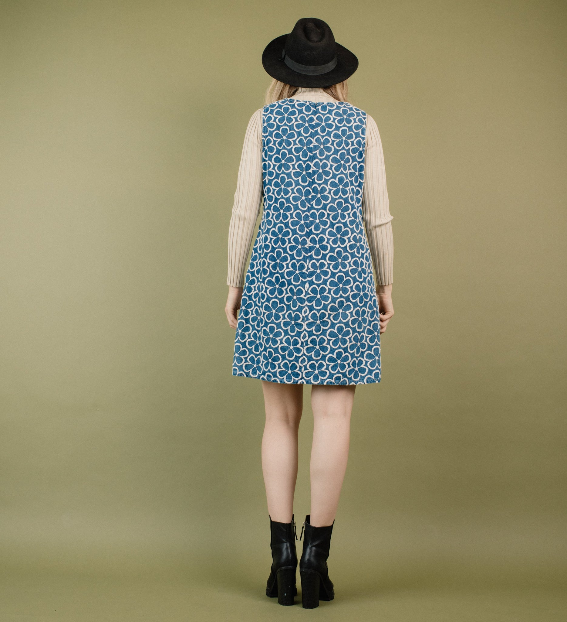 Vintage Floral Embroidered Denim Dress / S - Closed Caption