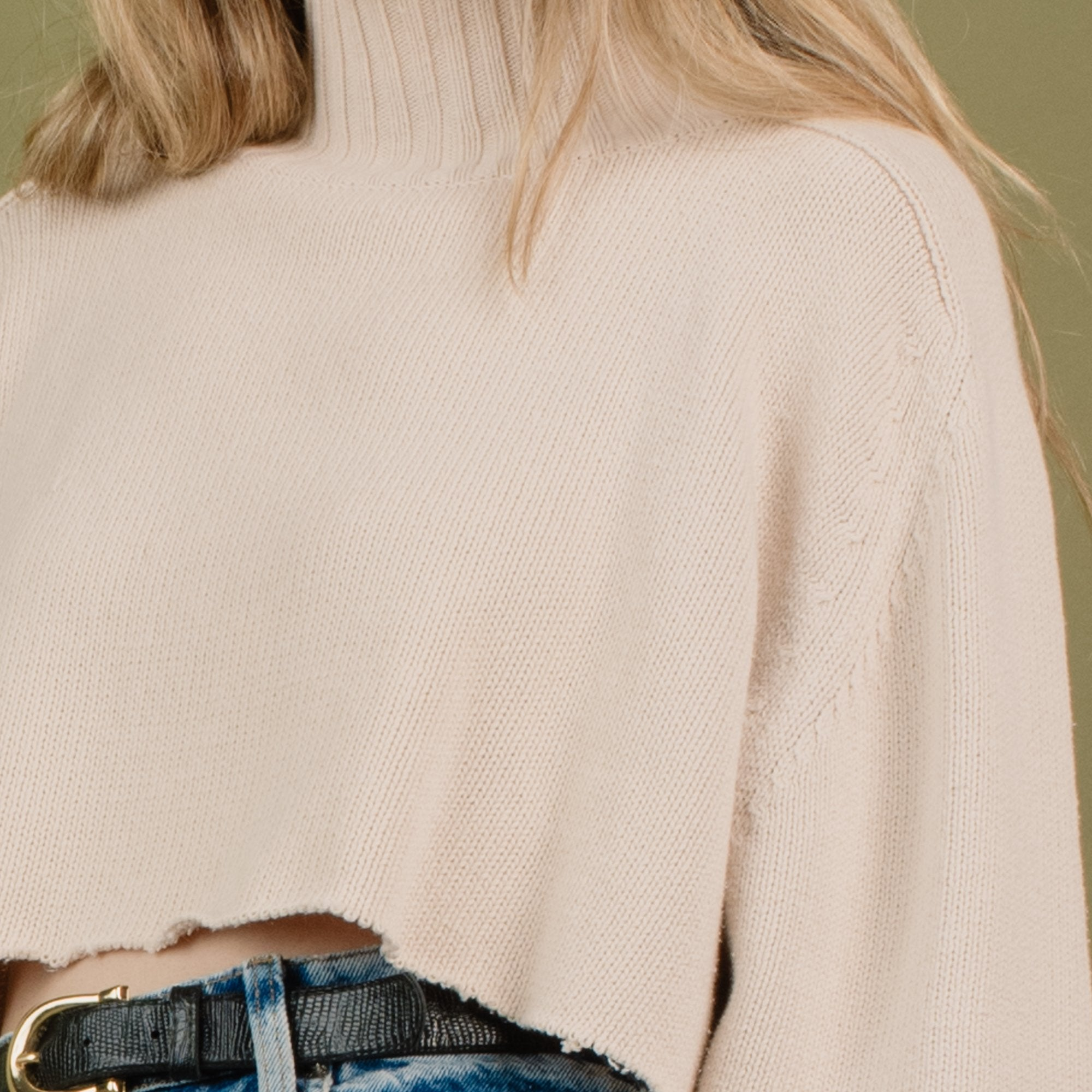 Vintage Oversized Creme Cropped Knit Sweater / S - Closed Caption
