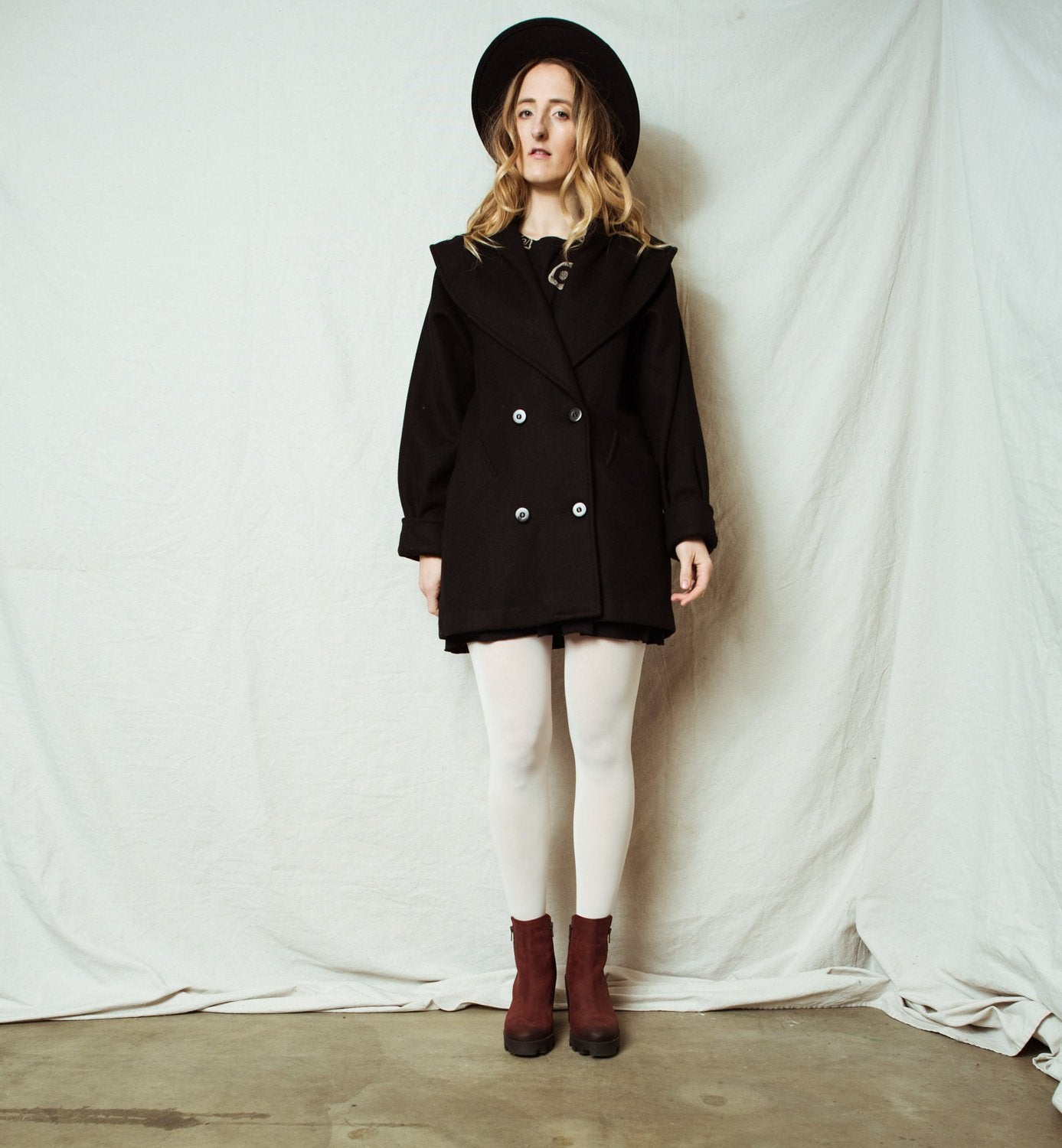 Vintage Black Wool Coat / XS/S - Closed Caption