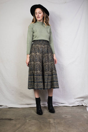 Vintage Obsidian + Almond Paisley High Rise Culottes / M/L - Closed Caption