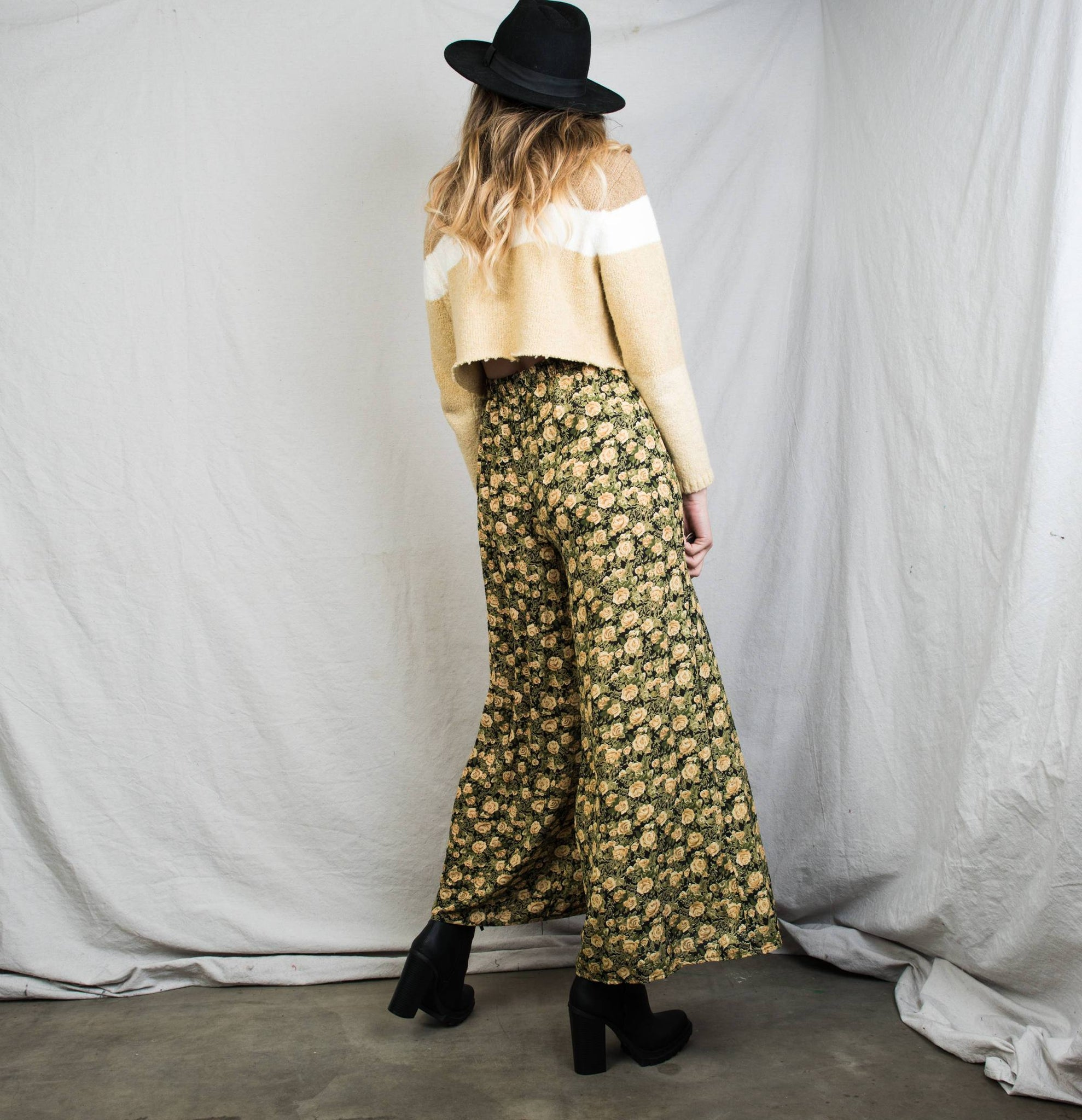 Vintage Sage + Egg Nog Chiffon Floral Culottes / M/L - Closed Caption