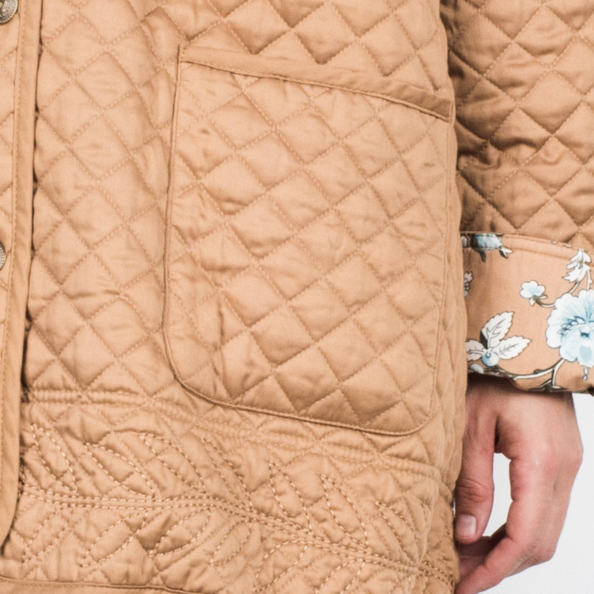 Vintage Oversized REVERSIBLE Beige Quilted and Floral Jacket / S/M