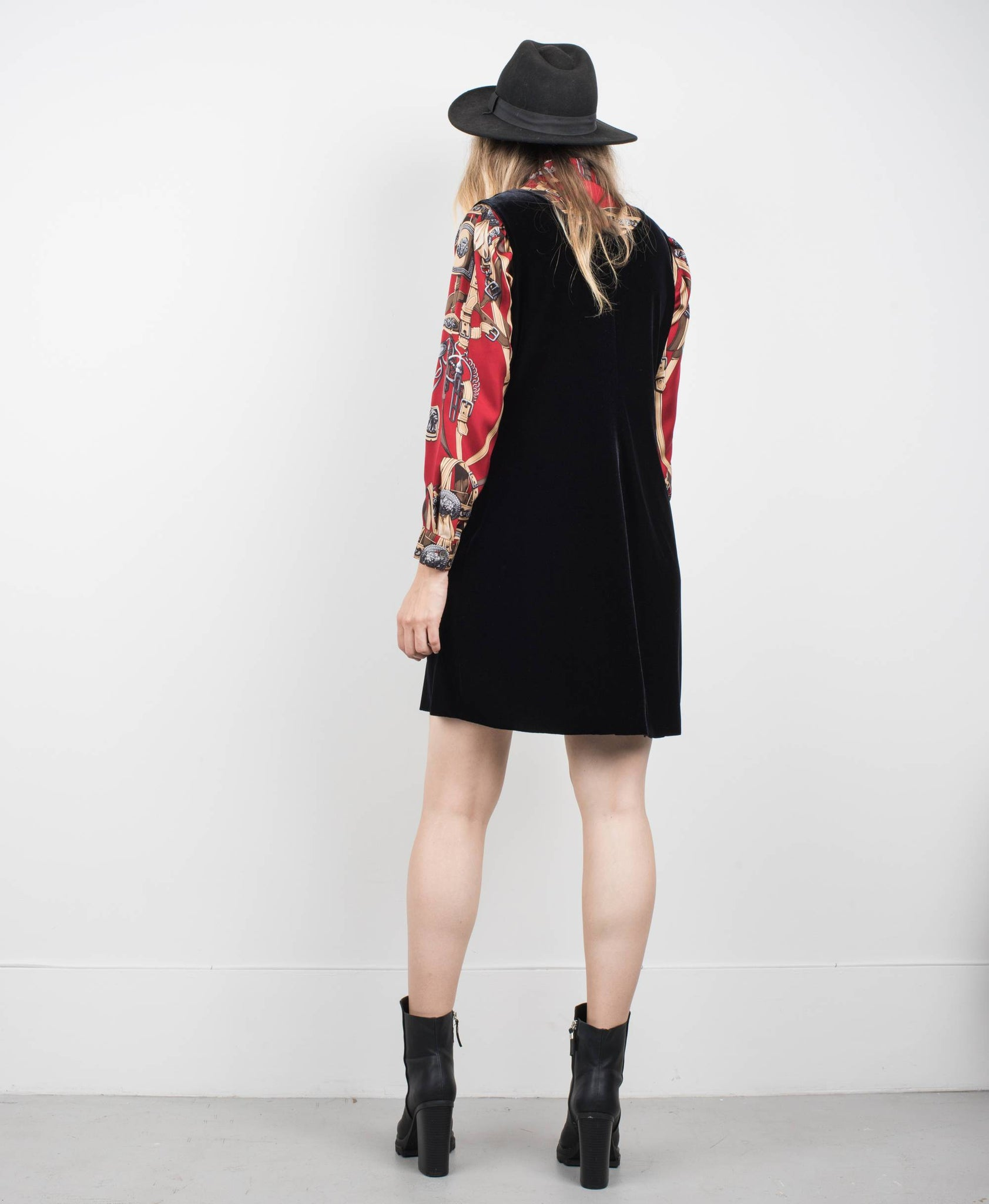 Vintage Obsidian Sleeveless Velvet Dress / S/M - Closed Caption