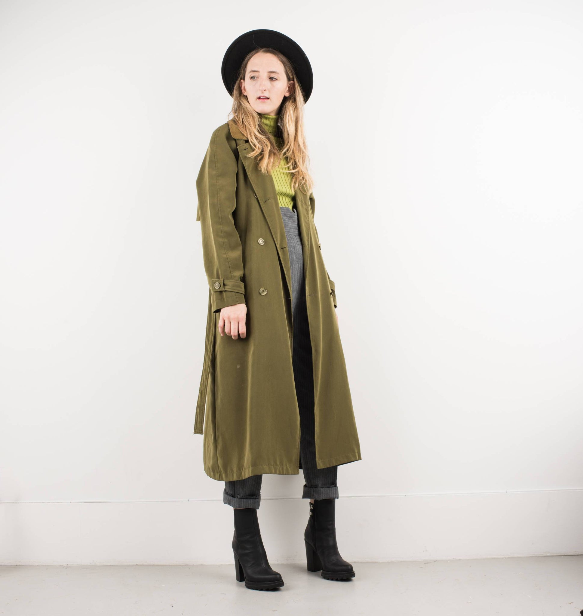 Vintage Olive Green Trench Coat with Suede Collar and Belt / S - Closed Caption