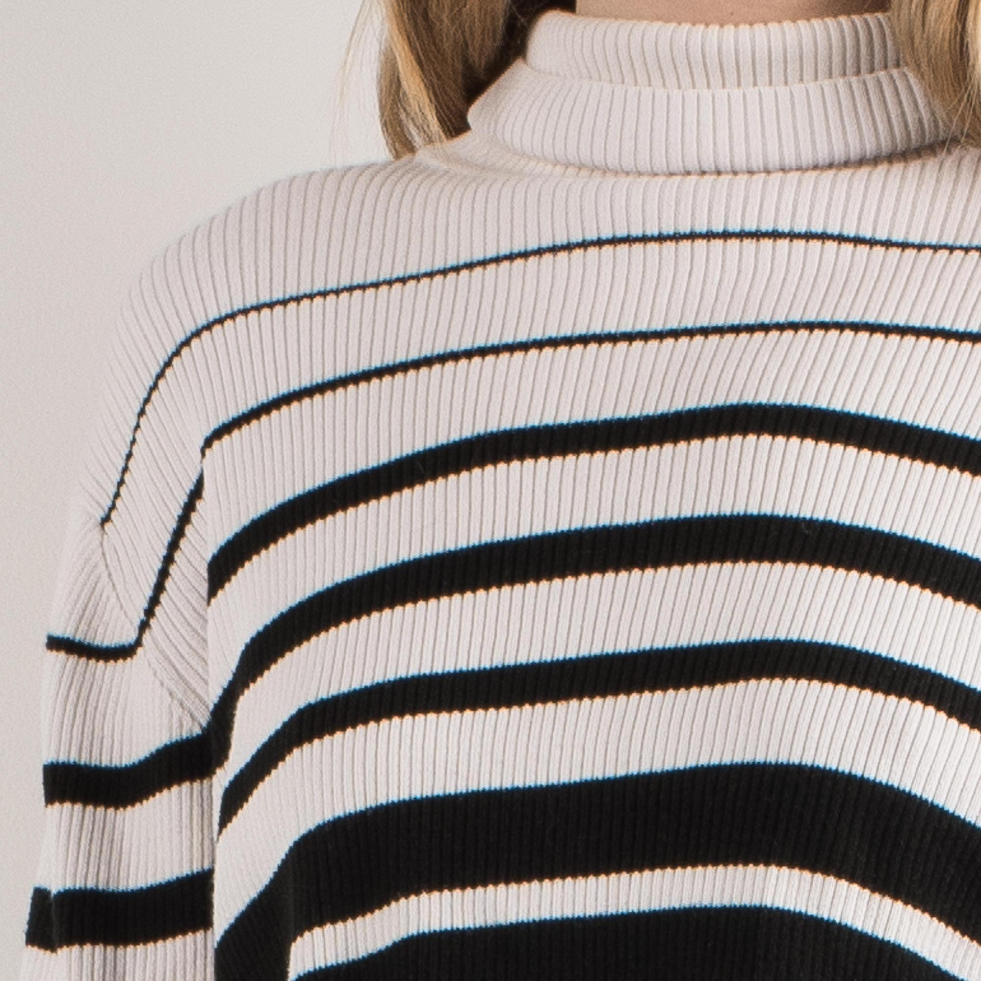 Vintage Creme and Black Striped Ribbed Knit Turtleneck Sweater / S - Closed Caption