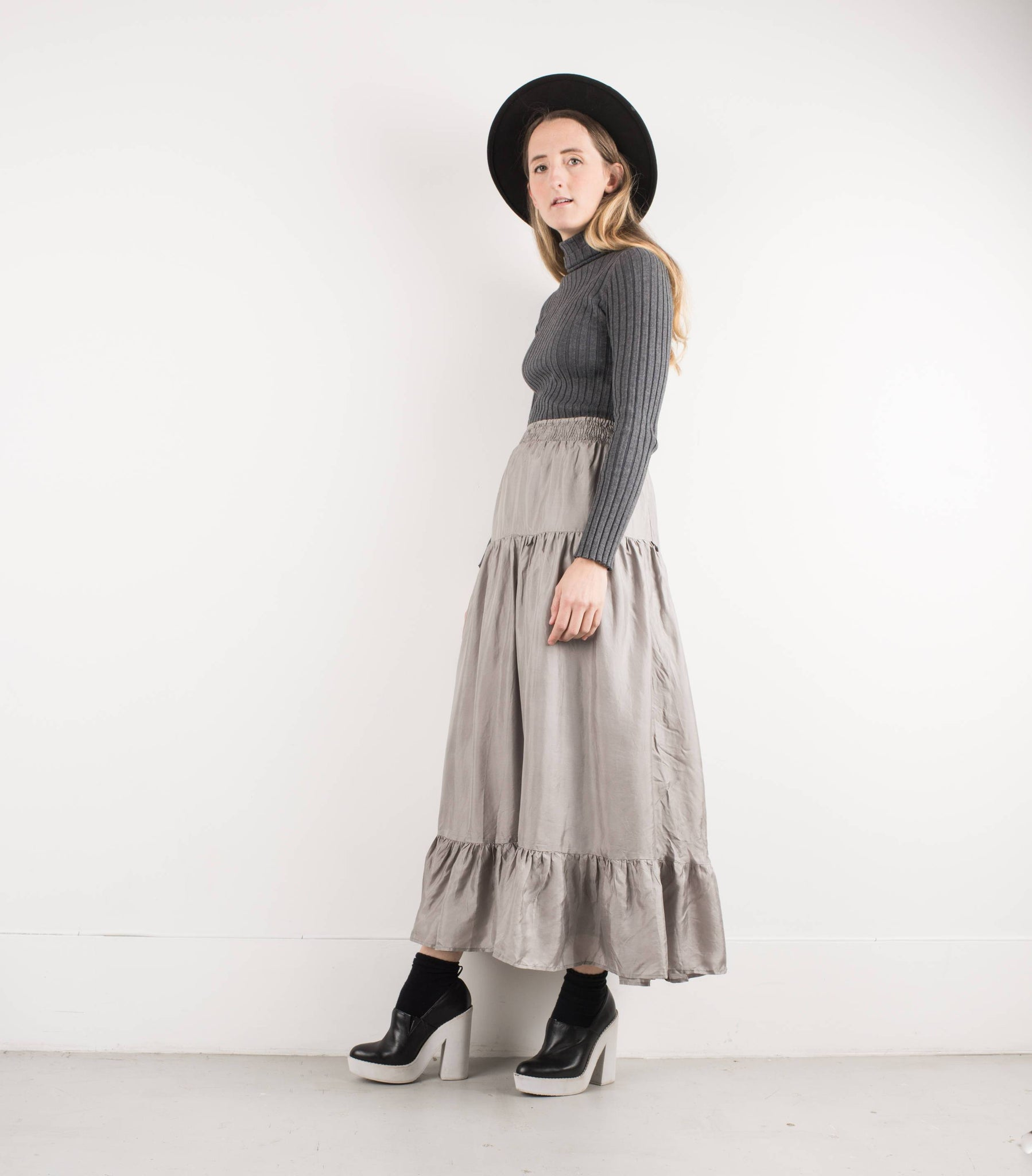Vintage Silver Silk Flowy Prairie Skirt / S - Closed Caption