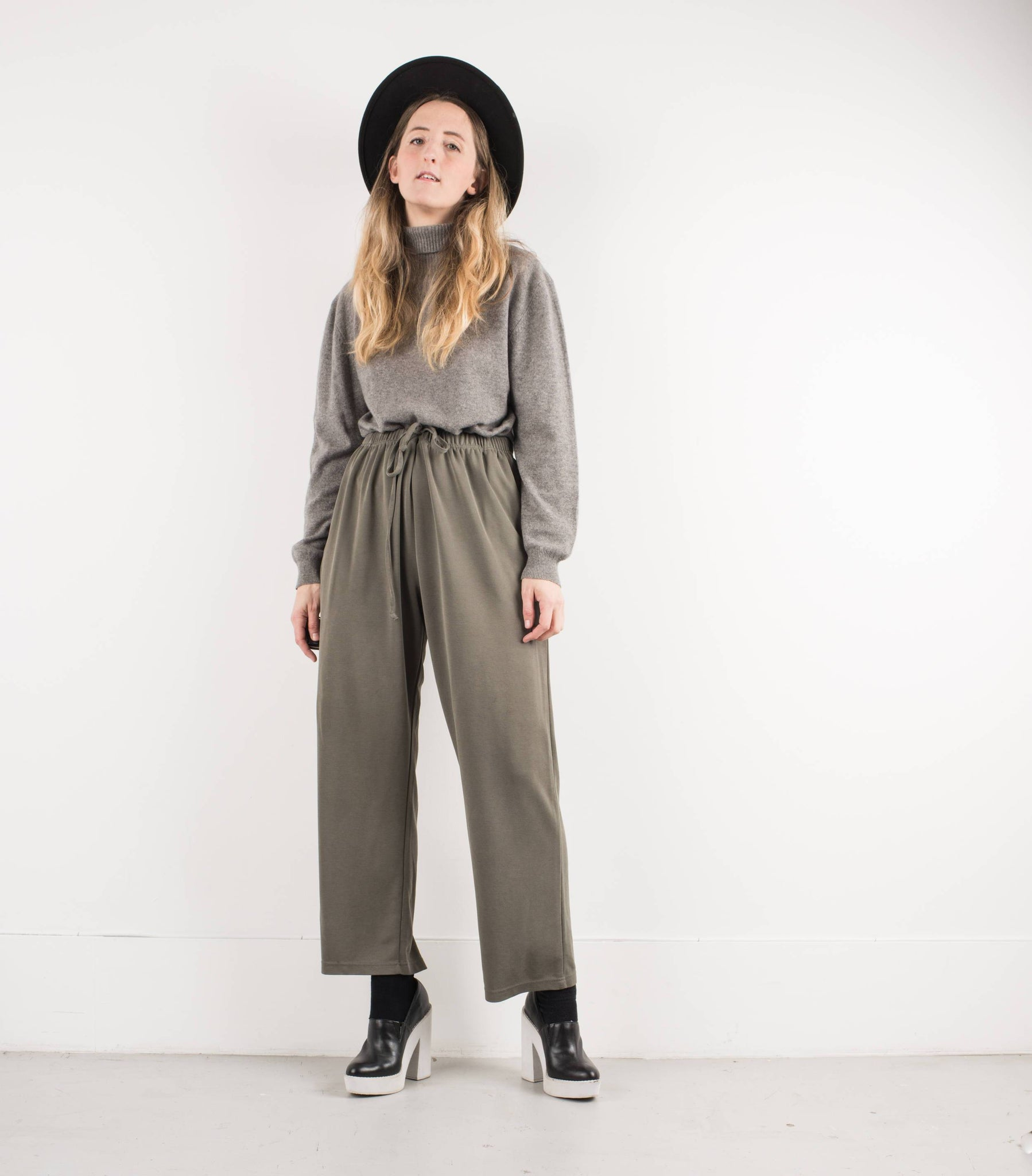 Vintage Olive Green Drawstring Pants / S - Closed Caption