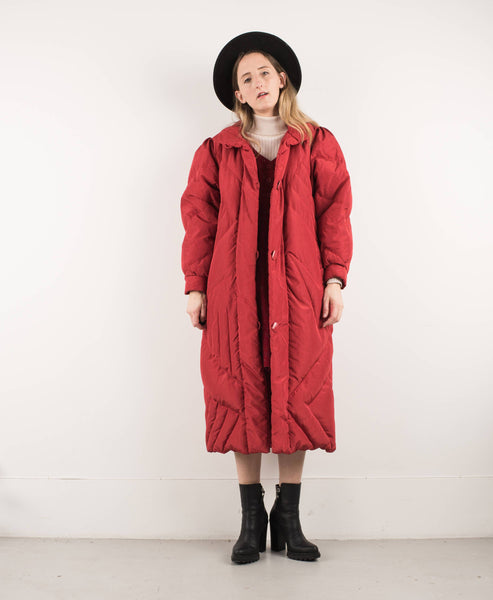 Vintage Red Quilted Oversized Down Coat / M