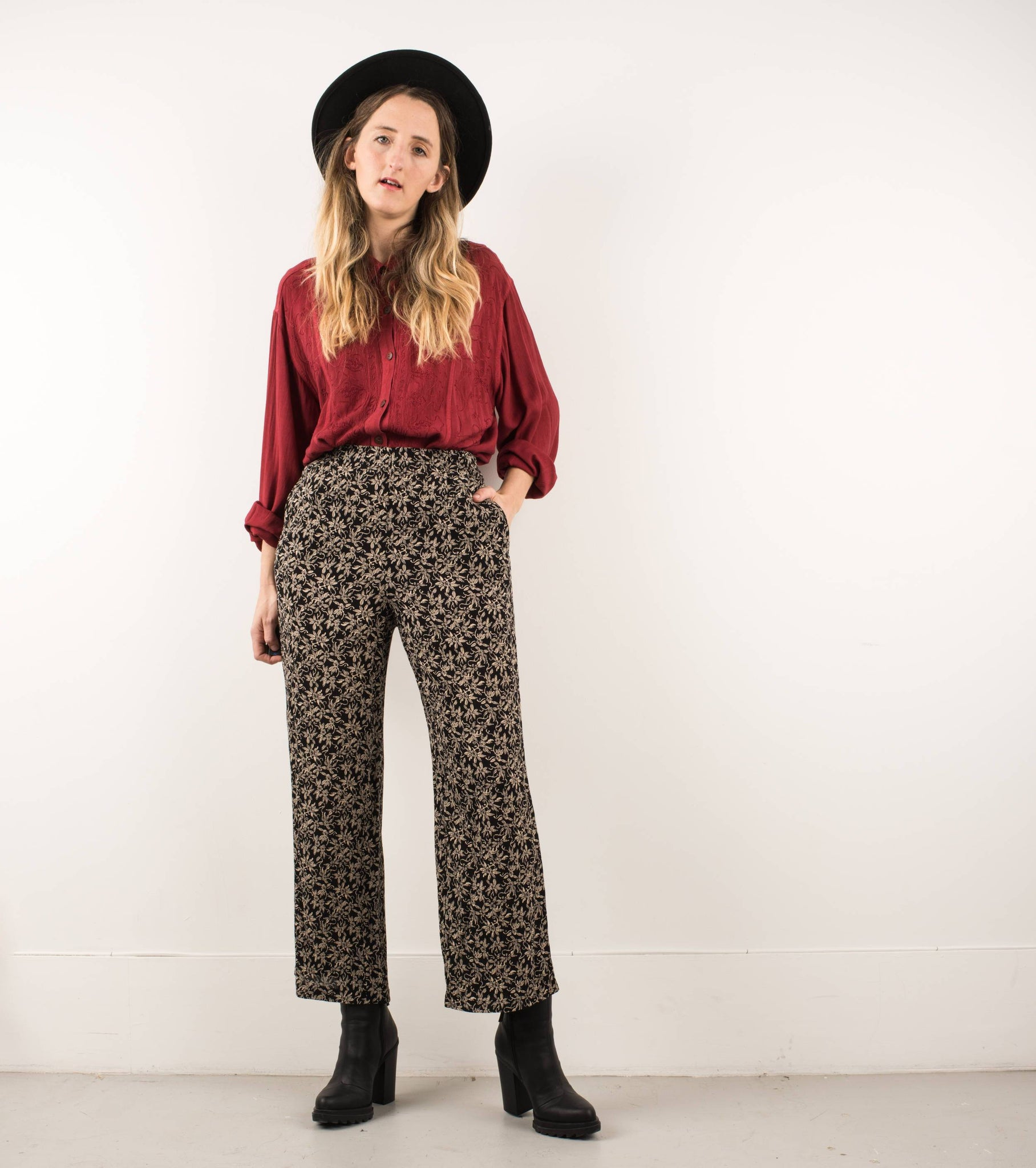 Vintage Black + Almond Floral Elastic Waist Crinkle Pants / S - Closed Caption