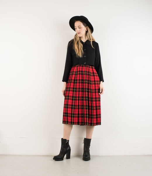 Vintage Plaid Pleated Red and Navy Plaid School Girl Skirt / S