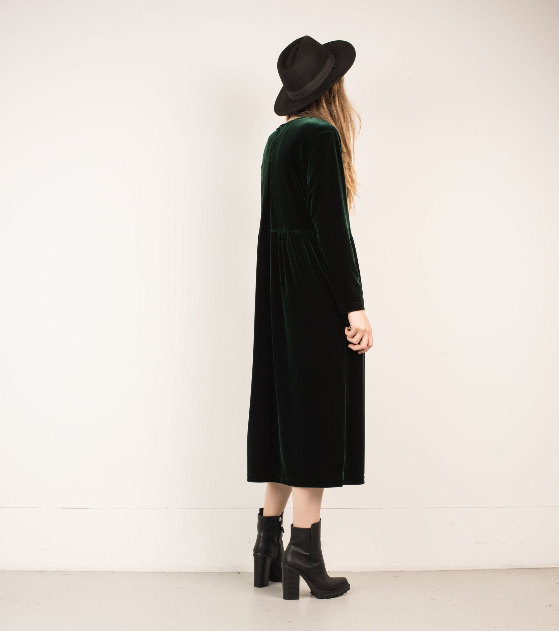 Vintage Forest Green Velvet Maxi Dress / S - Closed Caption