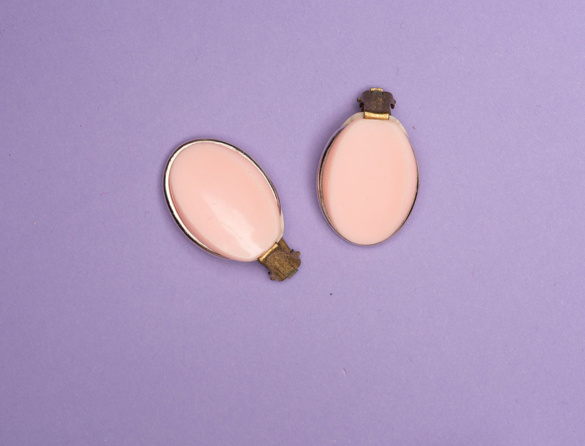 Vintage Pastel Pink Oval Lucite Clip-On Earrings - Closed Caption