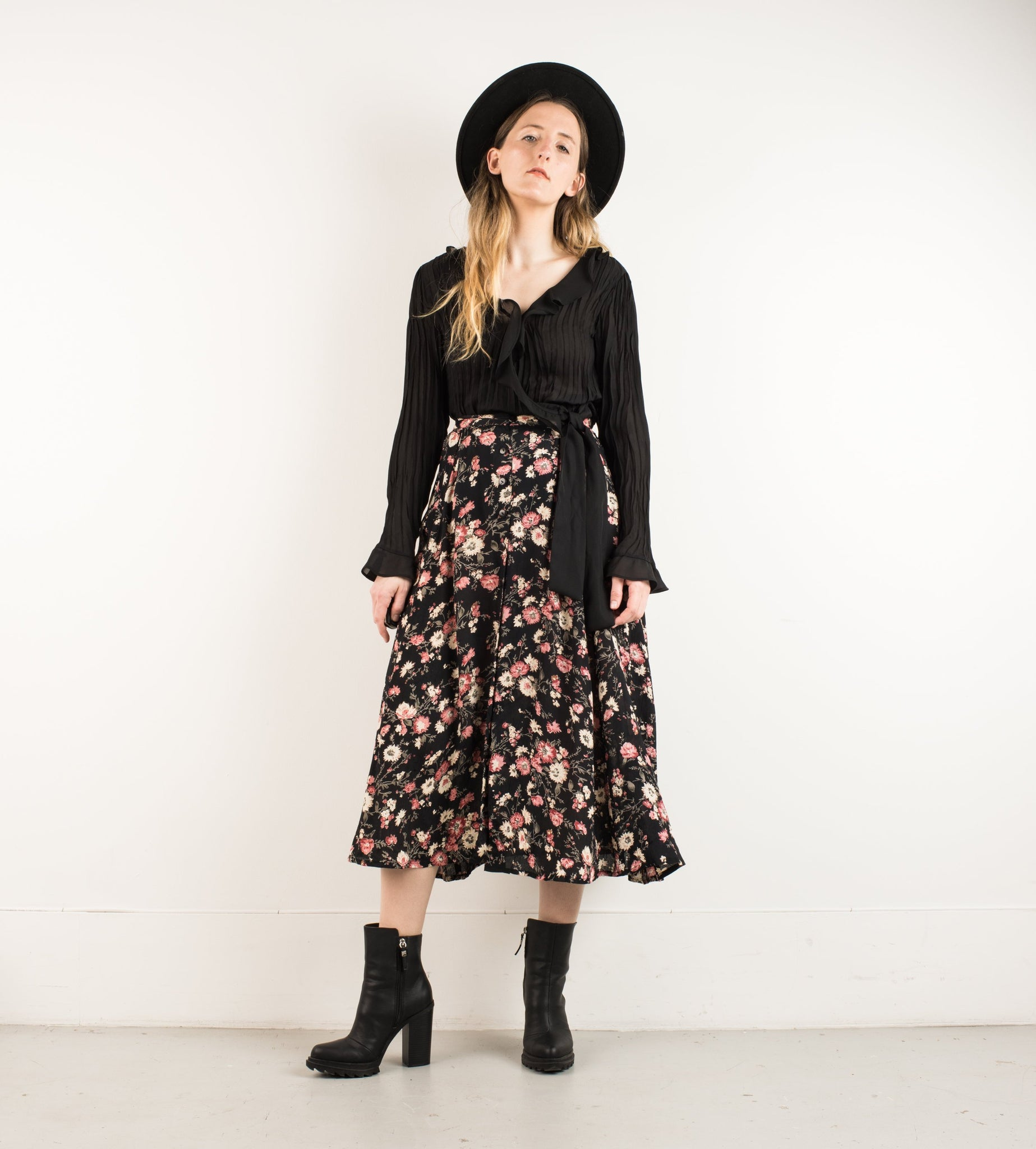 Vintage Black Floral Sheer Skirt / M - Closed Caption
