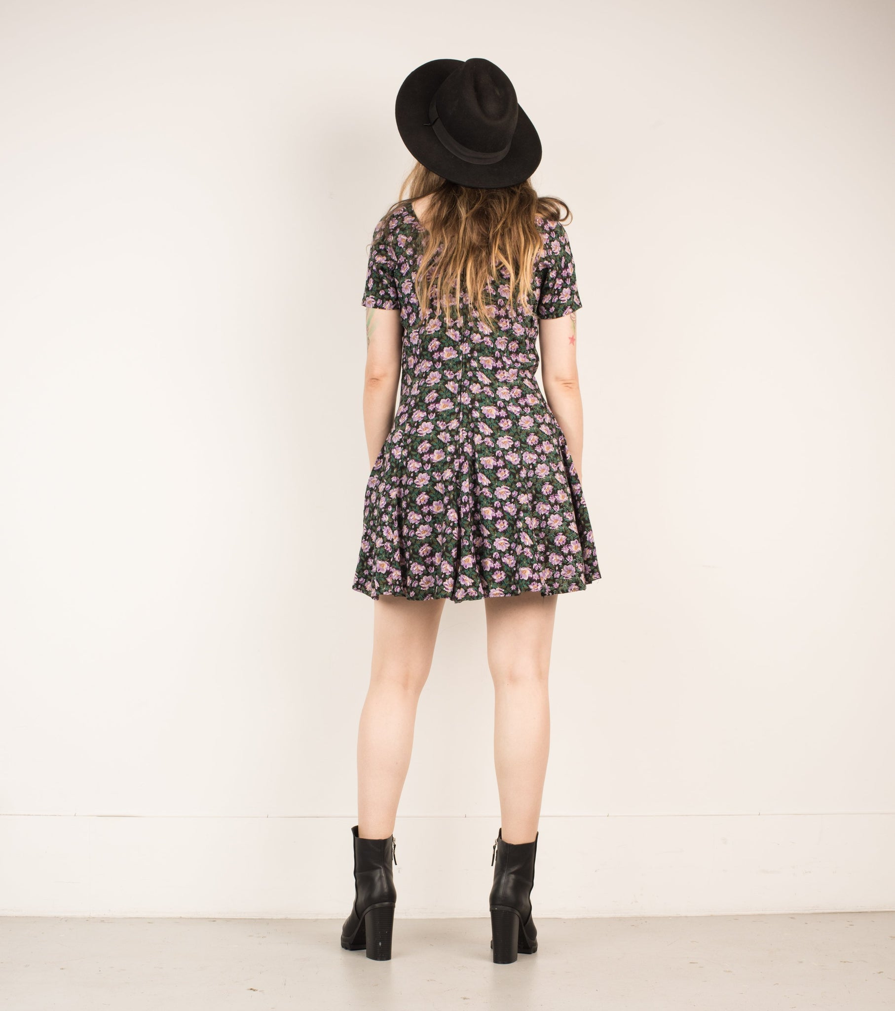 Vintage Black + Lilac Floral Skater Dress / S - Closed Caption