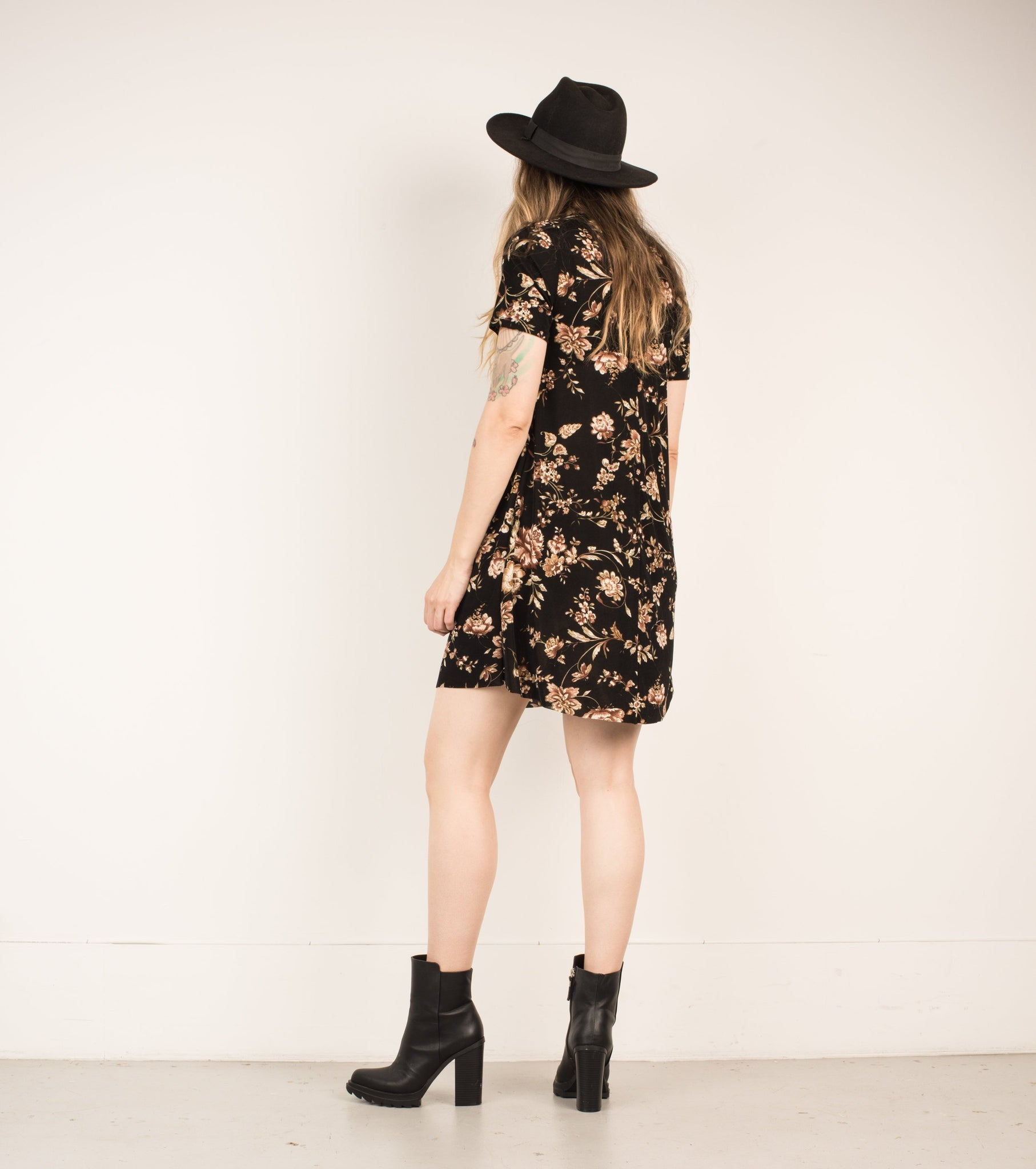 Vintage Black + Almond Floral Slinky Dress / S - Closed Caption