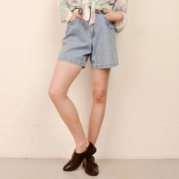 Vintage Light Wash High Rise Denim Shorts  / S/M
