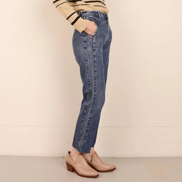 Vintage Medium Wash High Rise Cropped Denim Pants  / S