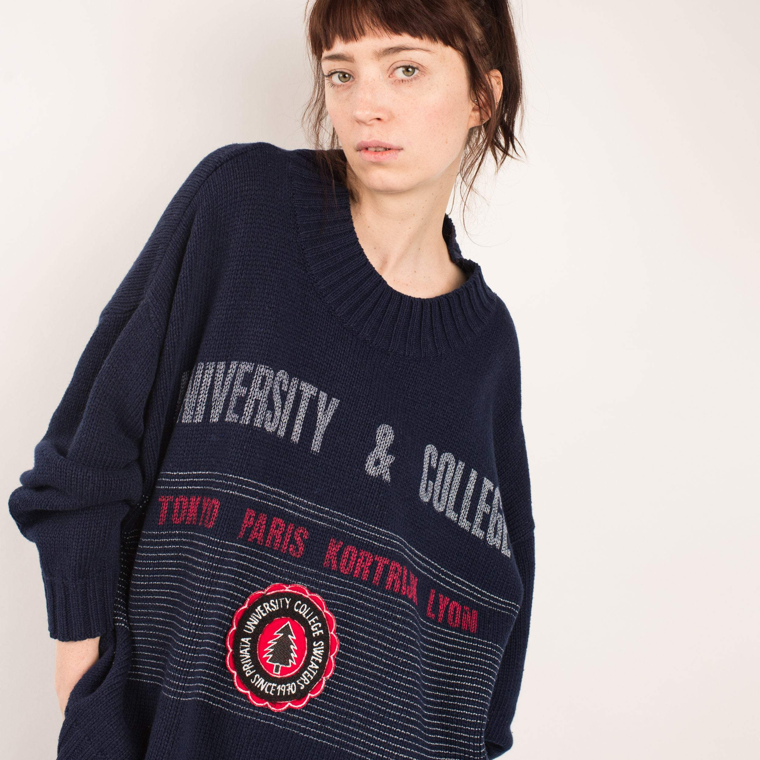 Vintage Oversized Navy UNIVERSITY COLLEGE Sweater /S/M/L