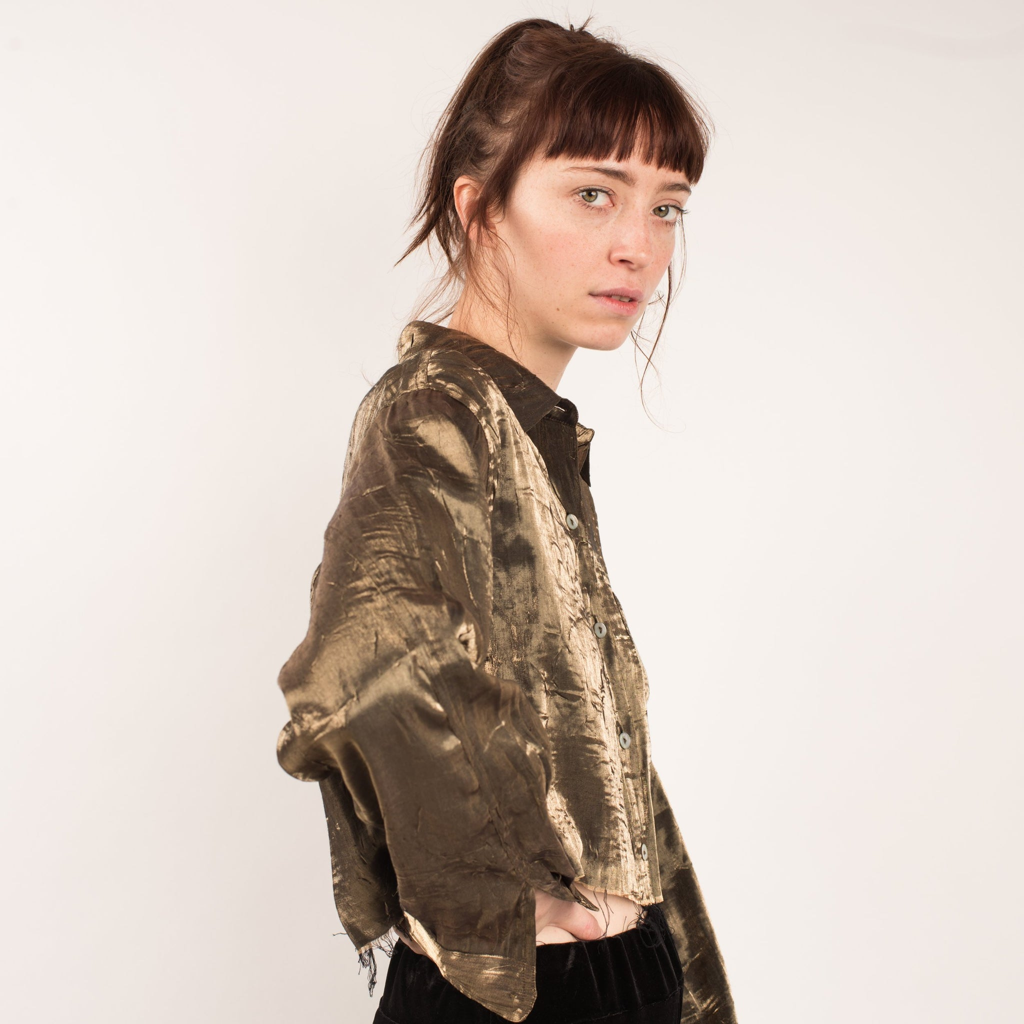Vintage Gold Metallic Crinkle Cropped Blouse / S