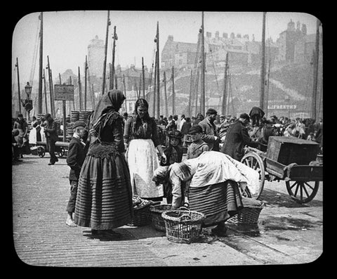 Edgar Lee, Fish Sorters on the Quay, North Shields