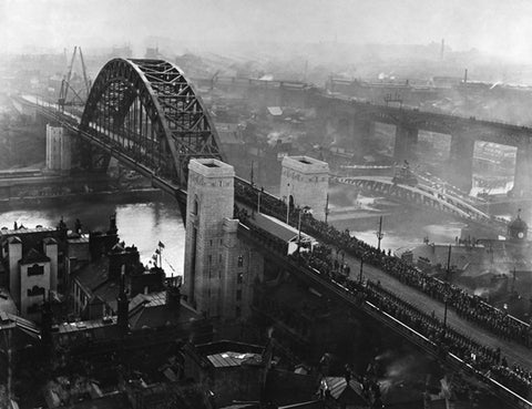 The Building of the Tyne Bridge - The King officially opens the bridge