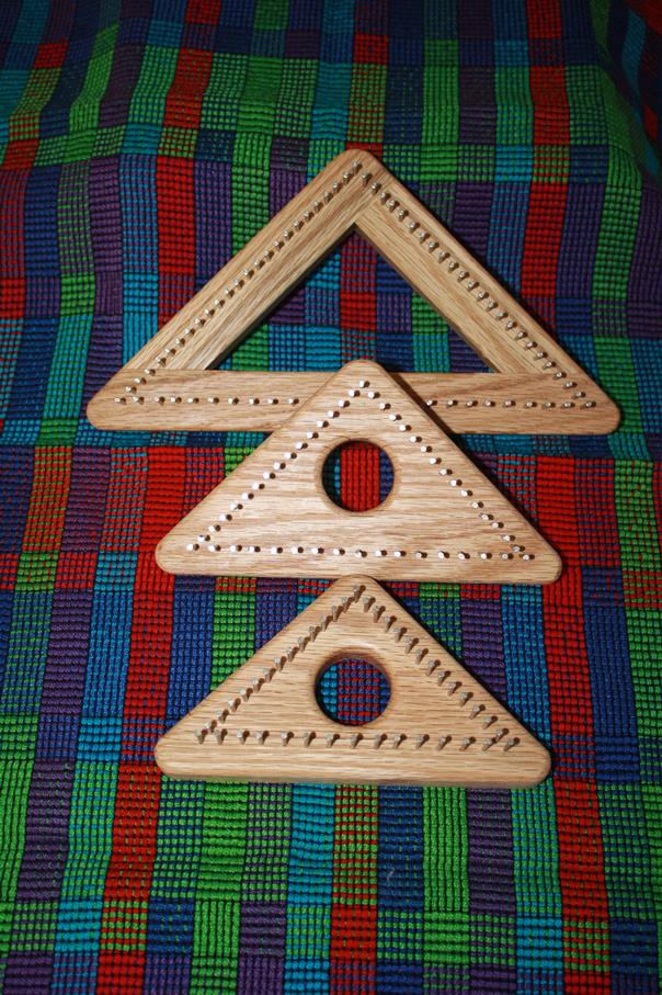 Video - How to Weave on the Triangle Loom