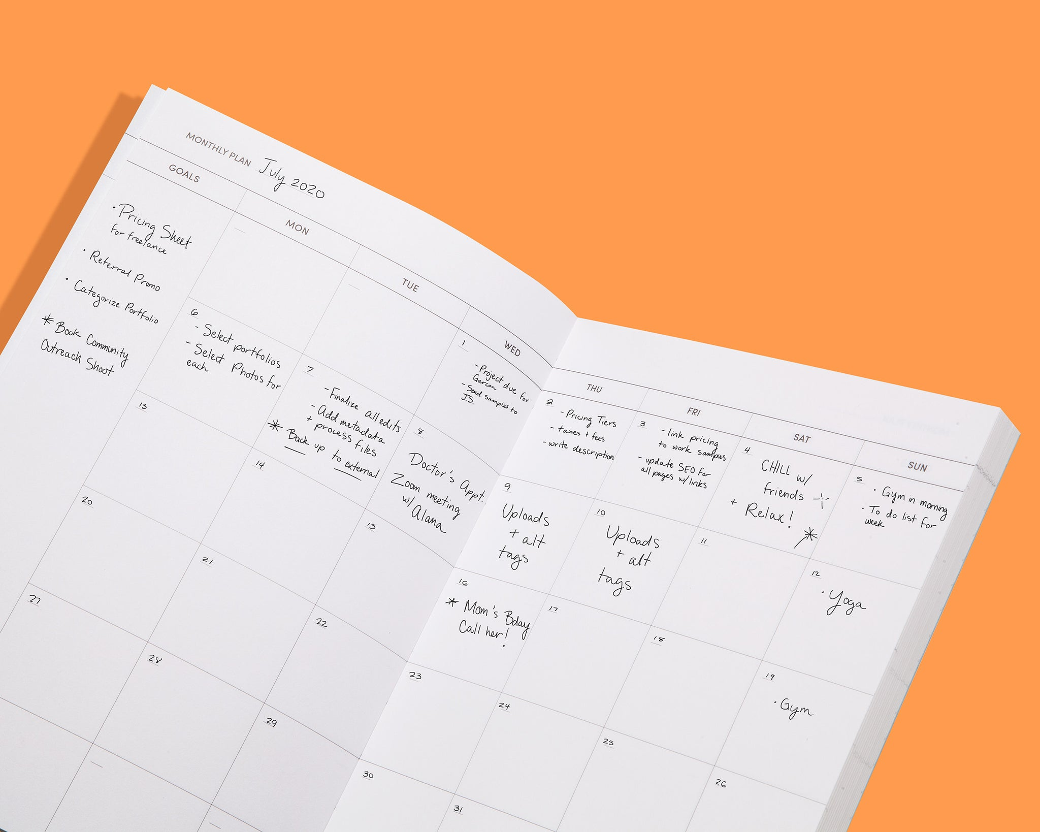 Poketo Quarterly Goal Planners: monthly plan pages