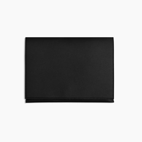 Medium Minimalist Folio V2 in Black Front Closed